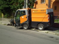Čistenie a údržba miestnych komunikácií, zametanie cesty
